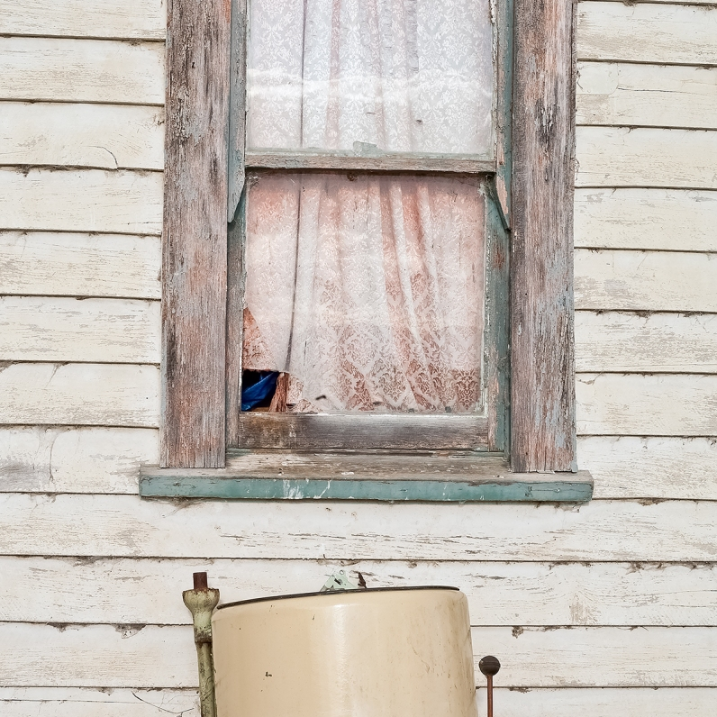 Old-laundry-tub-at-Shearer's-cottage